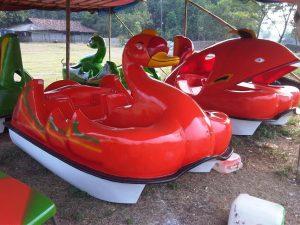 pembuatan-perahu-bebek